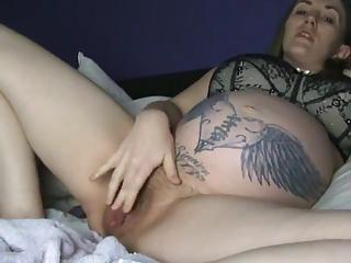 Tattoed Pregnant Milf Masturbates