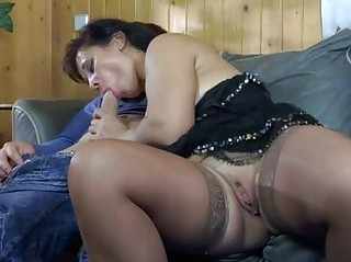 Sweltering mom teasing a hung guy