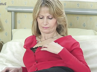 Perfect Mature Mother Needs Hard Cock