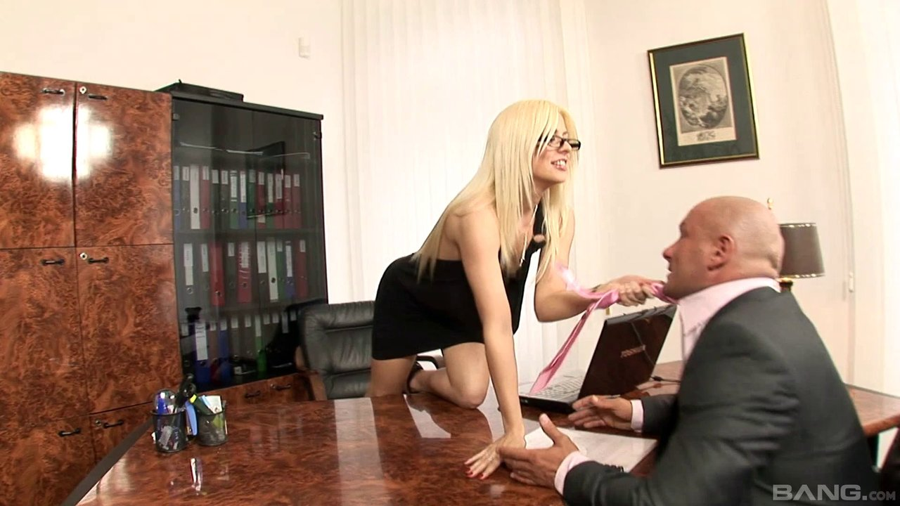 Delicate Blonde Chick Allows The Bald Guy To Poke Her Vaginal Tunnel