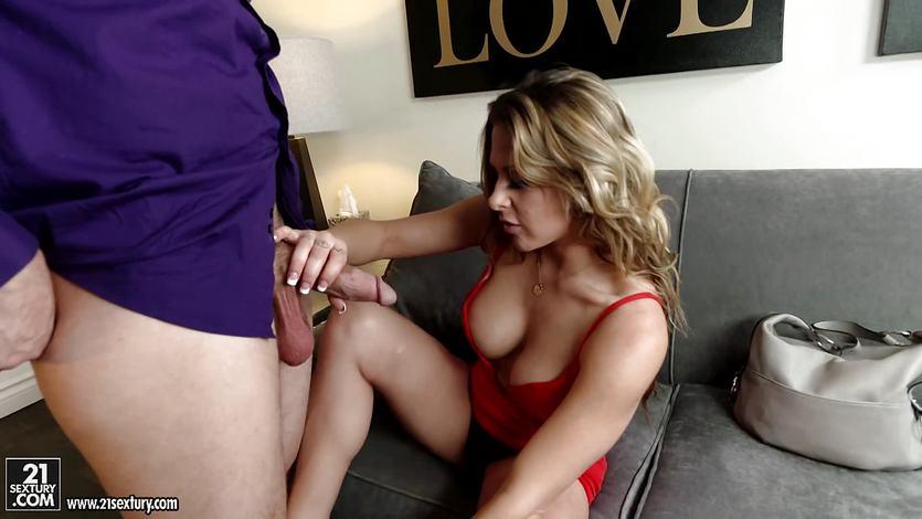 Rachel Roxx fucked by a big dick | PornTube ®