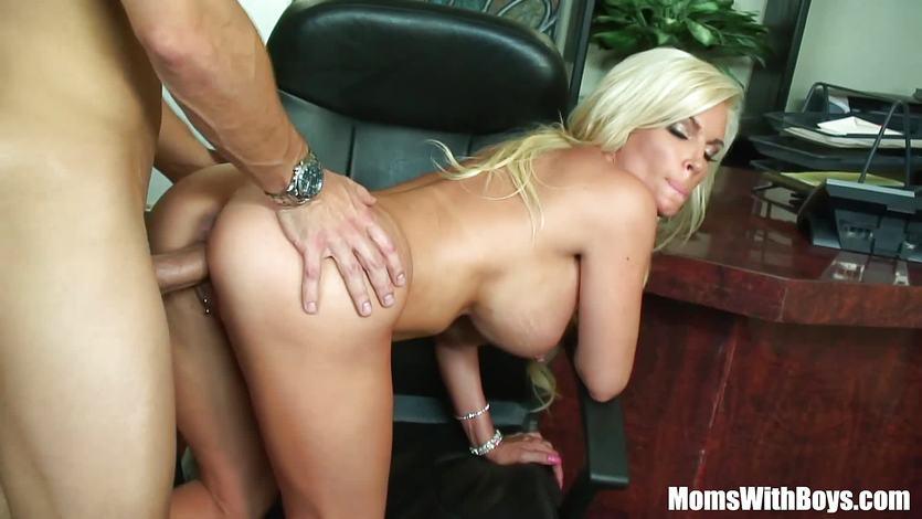 Bigtit Blonde Wife Diamond Foxxx Office Fuck | PornTube ®