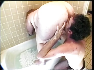 Fat Whore Get Ate Out In The Tub