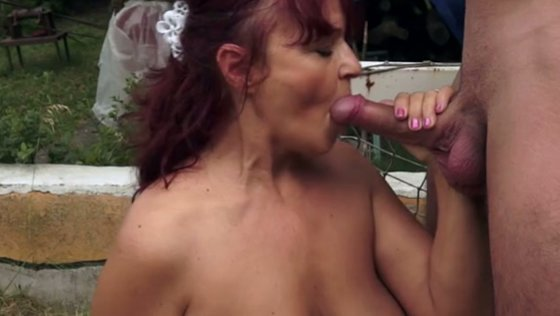Redhead granny having dirty doggy fuck on a loan outdoor - Grannies porn