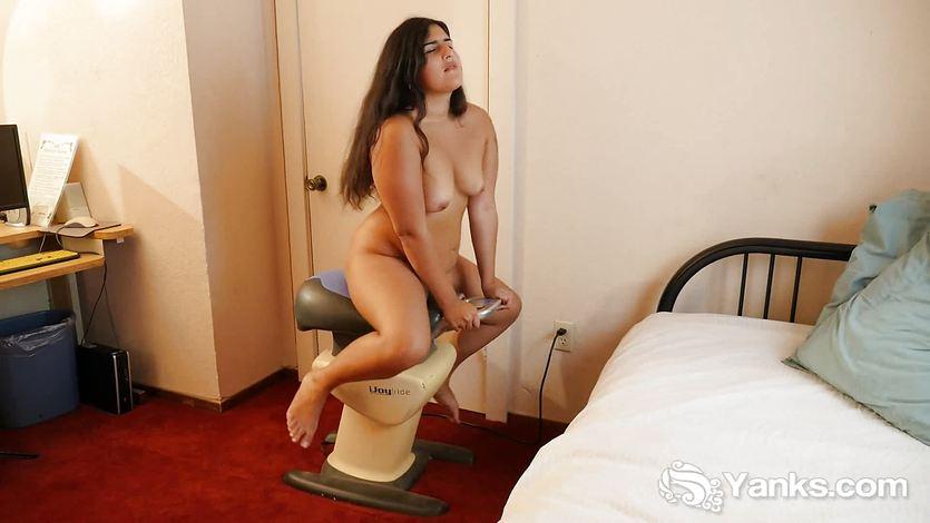 Chubby Miel Masturbating Her Hairy Quim | PornTube ®