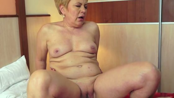Old and chubby white lady uses her chance to exploit a boy - Mature porn