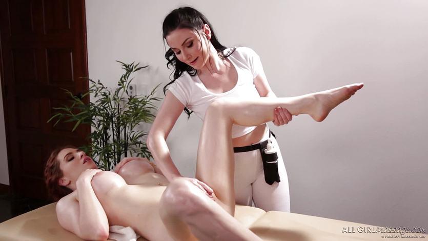 Veruca James gives Veronica Vain an unforgettable massage | PornTube ®