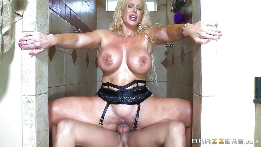 Alura Jenson enjoys pussy pleasing shower with Xander Corvus | PornTube ®