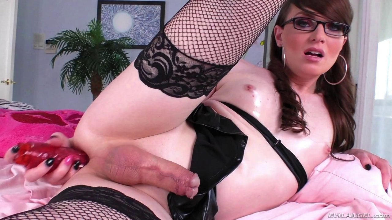 Hottest Tranny In Porn Pumps Her Smooth Ass With A Dildo