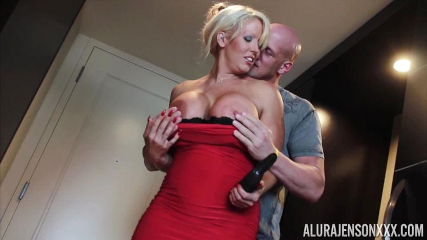 Alura Jenson slammed hard in her MILFY pussy
