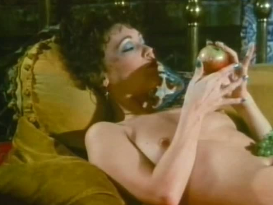 Mature mom is sucking big dick balls deep in retro porn video - Retro porn