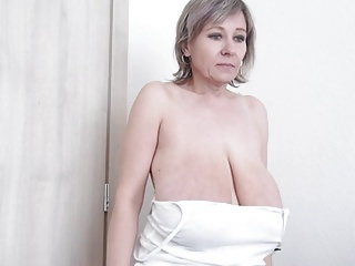 Huge Big Hanging Mature BBW Tits 24