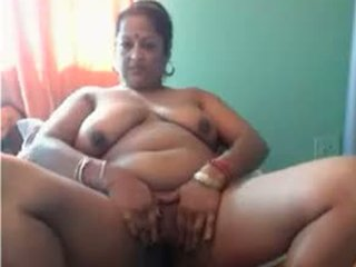 Chunky Indian slut wants to introduce us to her phat ass and big boobs - Indian porn