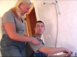Bored Housewife Seduces The Plumber And He Makes Her Pussy Happy