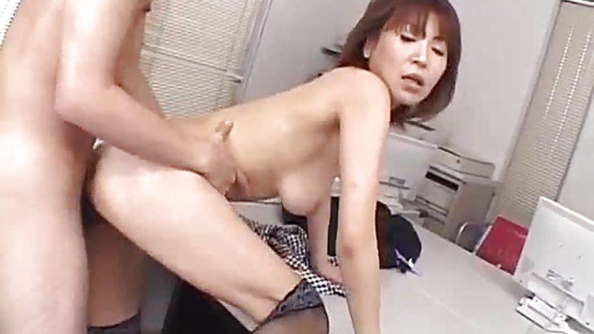 Naughty office sex scenes with Jun Kusanagi
