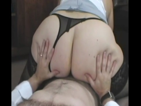 Curvy Mature milf with a huge ass and tits takes a creampie - Lady-Cams.com