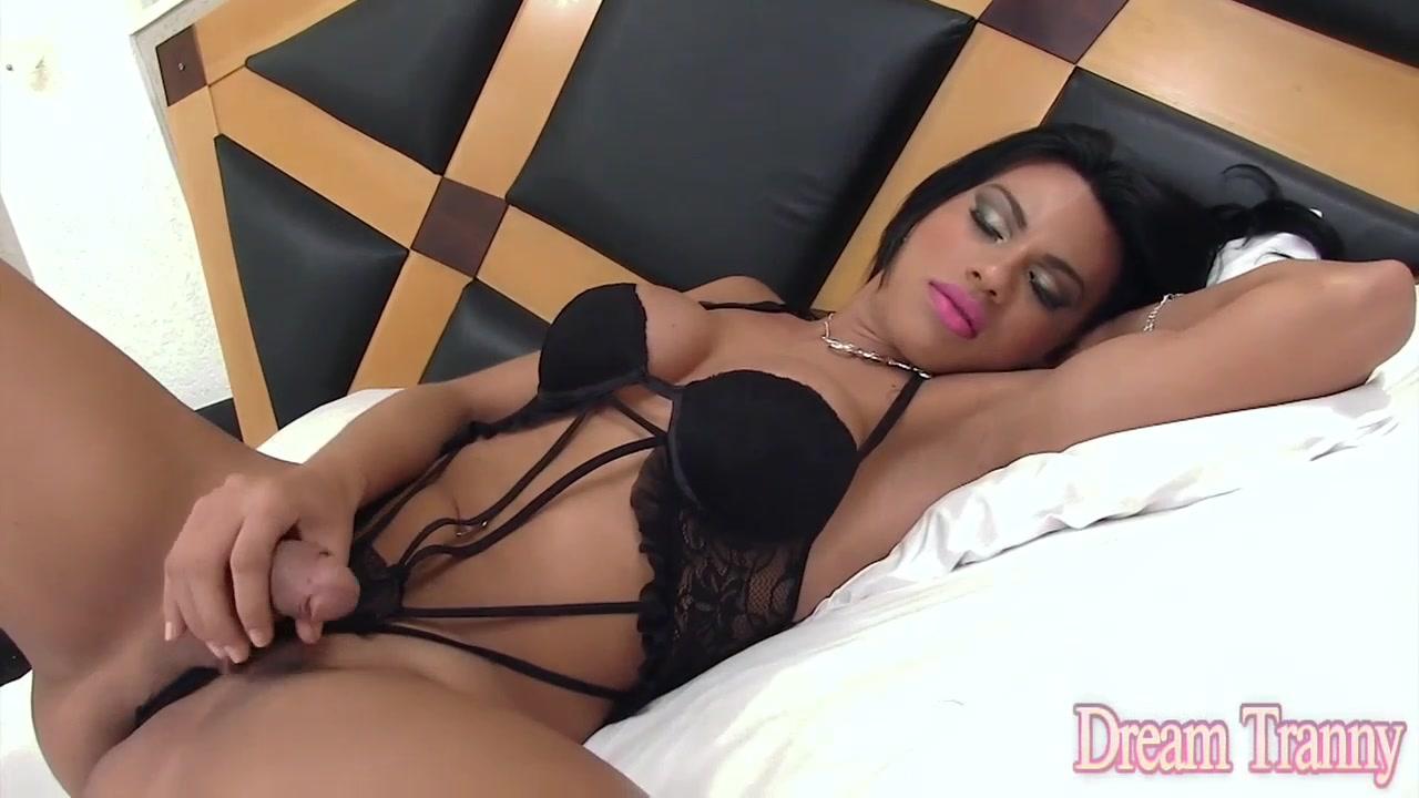 Horny Tgirl Mylla Pereira Gets Fucked Bareback