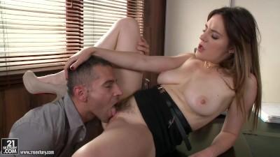 Samantha is a pretty good Secretary - Porn Video 131