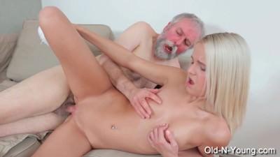JOLEYN BURST - Old Dick Fucks Teen - Porn Video 781