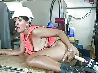 Tight ass cougar with big boobs gets drilled by fucking machine - Sunporno Uncensored