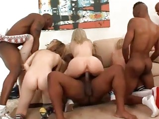 Teen Orgy (New! 4 Dec 2016) - Sunporno