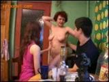 Rodzinna orgia w czasie sniadania