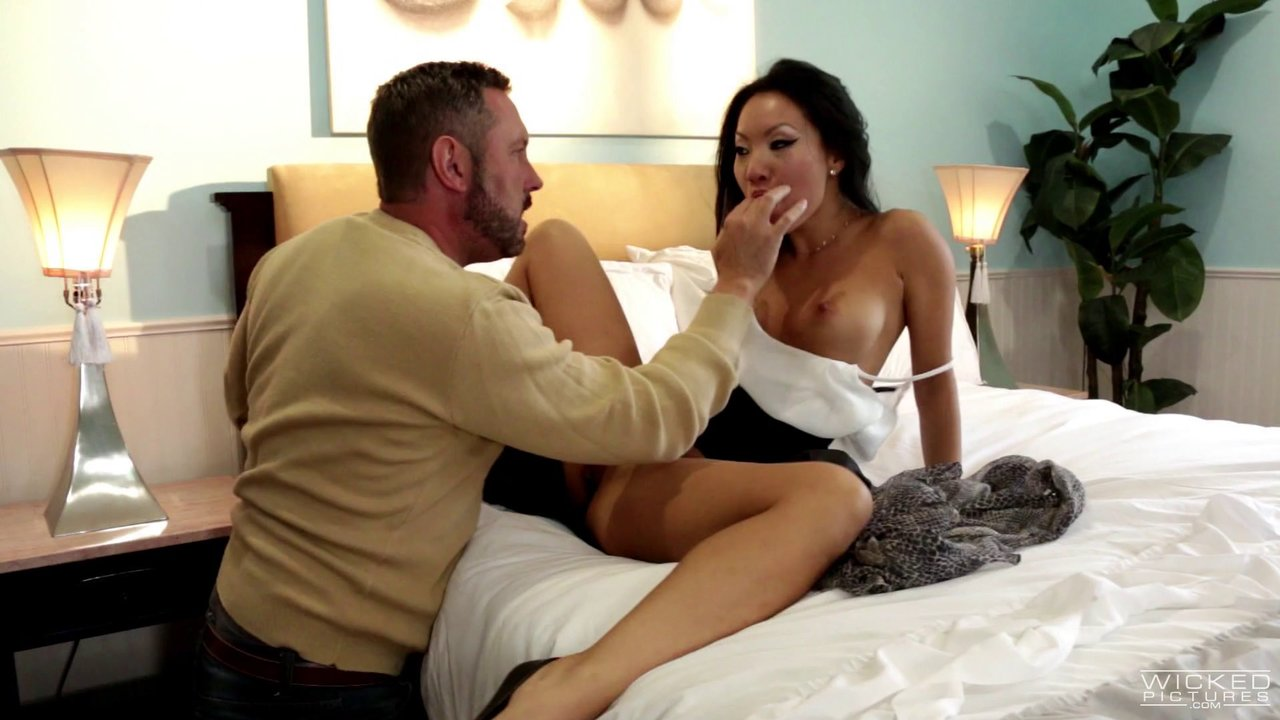 Seduced Natural Tits Cowgirl Throbbed Hardcore Till The Guy Cums