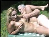 Wujek zaprasza na sex piknik