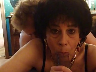 Crossdresser Bobbi Carol gets Spit Roasted (New! 5 Jan 2017) - Sunporno
