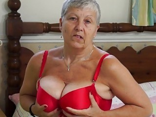 EuropeMature Granny Savana have to do it herself - Sunporno Uncensored
