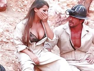 Escape From Mine hot outdoor lovemaking HD Clip - Sunporno Uncensored