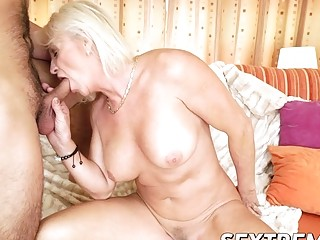 Sexy blonde granny getting anal and pussy railing hard (New! 17 Jan 2017) - Sunporno