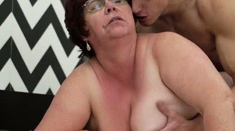 Sex hungry BBW whore Uma Womba loves a good hard fuck - Hardcore porn