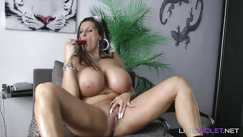 European boobalicious angel Alina with monster K tits